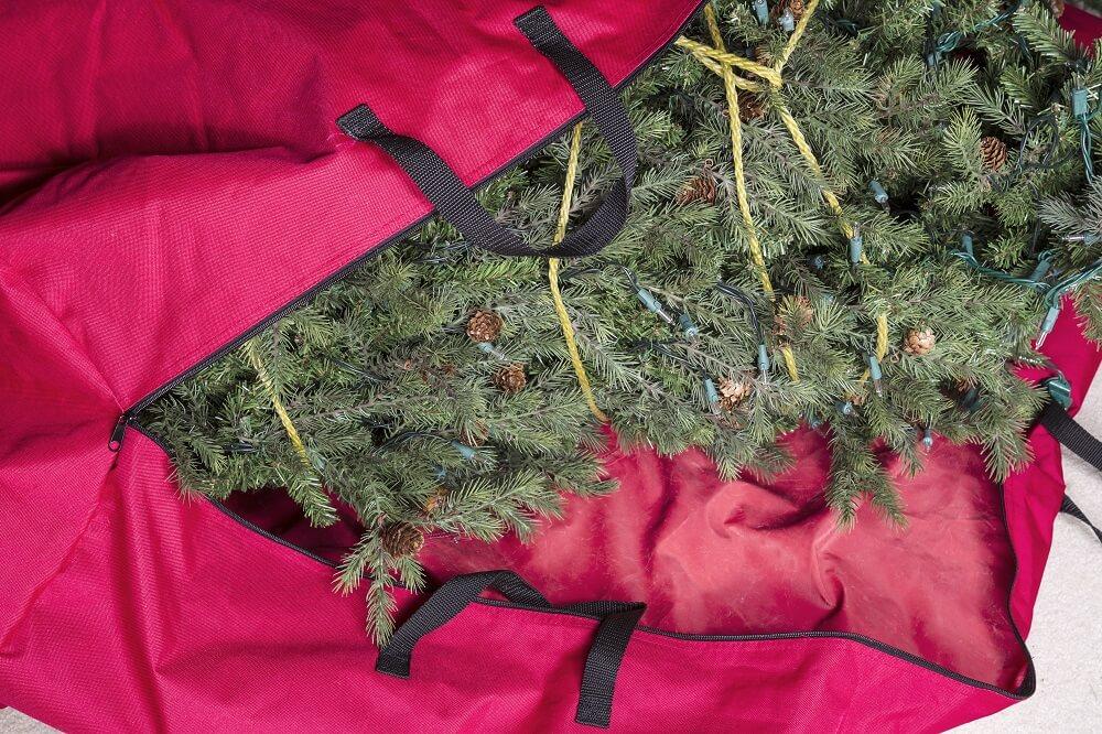 organizing christmas ornaments