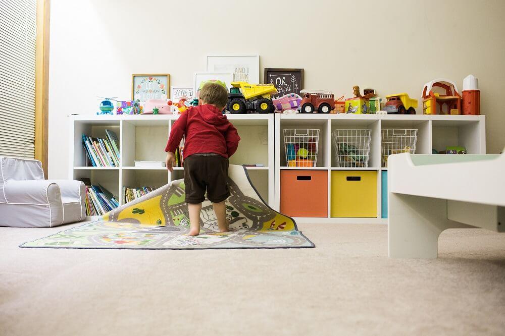 kids organizing house